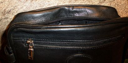 uploads/1642/2/leather toiletry bag 2.jpg